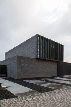 Exterior Design Minimalist Modern 37 New Ideas Minimal Architecture, Brick Architecture, Residential Architecture, Contemporary Architecture, Interior Architecture, Facade Design, Exterior Design, Modern Exterior, Brutalist
