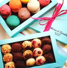 Martina´s almond macarons and financiers as a present: 42€/kg. Los macarons y financiers de almendra de Martina son el regalo perfecto: 42€/kg.  www.facebook.com/martinazuricaldaybilbao
