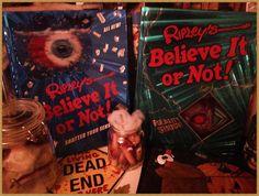 Ripleys Believe it or not ;-) in meiner Halloween Deko. #halloween #believeitornot #ripleys #bücher #books #libros  www.hamburgersafari.de