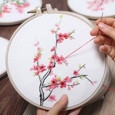 Plants Embroidery Kit For Beginner, Modern Embroidery Kit, Hand Embroidery Kit, flowers Embroidery Pattern, DIY Embroidery Kit hashtags Diy Embroidery Kit, Embroidery Materials, Hand Embroidery Stitches, Modern Embroidery, Embroidery For Beginners, Crewel Embroidery, Ribbon Embroidery, Floral Embroidery, Simple Embroidery
