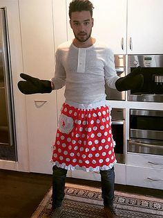 Happy Thanksgiving, One Direction Fans! Here's Liam Payne Posing in the Cutest Apron Ever http://www.people.com/article/one-direction-liam-payne-wearing-apron-thanksgiving