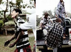 Mum and pups, Suho, Chen, Baekhyun and Chanyeol playing in the mud! Baekhyun, Exo Dear Happiness, Heart Meme, Ko Ko Bop, Attack On Titan Levi, Beautiful Boys, Photo Book, Trending Memes, Historia