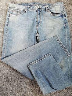 ca1868708e4ed Women s Calvin Klein Slim Boyfriend Light Wash Stretch Blue Jeans Size 33   fashion  clothing