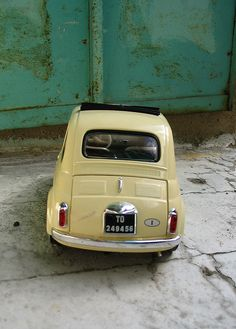 23 mai 2005 fiat 500 atelier by pilllpat (agence eureka), via Flickr