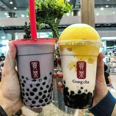 Bubble Drink, Bubble Milk Tea, Starbucks Drinks, Coffee Drinks, Fun Drinks, Yummy Drinks, Beverages, 17 Kpop, Boba Drink
