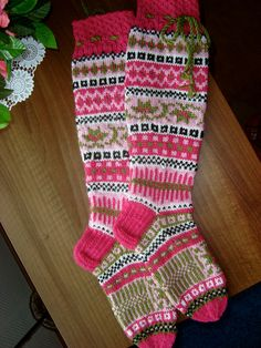 Ravelry: Susannat-socks by Sinikka Nissi