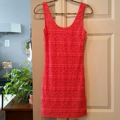 Forever 21 Coral mini Dress, perfect condition This is 1 Beautiful Dress! Beautiful Color and style . And Sexy 2!!  #greatdeal #hotlook #UwilllookMarv #sweetnsexy #Classylook #Sassy #Not2Short! Forever 21 Dresses Mini