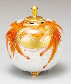 九谷焼 福田良則 4号香炉 赤絵鳳凰 – CRAFTS DESIGN Japanese Porcelain, Design Crafts, Pottery, Christmas Ornaments, Holiday Decor, Beautiful, Ceramica, Pottery Marks, Christmas Jewelry