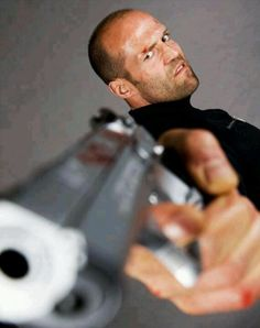 28-Best-photo-Jason-statham-gun