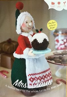 Mrs Christmas (Mrs Claus) Toy by Alan Dart Knitting Pattern: Measurement tall (Simply Knitting Magazine Pull Out Pattern) Simply Knitting, Double Knitting, Simply Crochet, Christmas Knitting Patterns, Knitting Patterns Free, Knit Patterns, Free Knitting, Knitted Dolls, Crochet Dolls