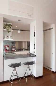 Cheap Kitchen Remodel Ideas – Small Kitchen Designs On A Budget Five Popular Trends In Kitchen Remodeling Kitchen Room Design, Modern Kitchen Design, Home Decor Kitchen, Interior Design Kitchen, Kitchen Dining, Kitchen Ideas, Kitchen Designs, Mini Kitchen, 10x10 Kitchen