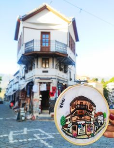 Casa típica de Gjirokastra, Albania Albania, Hand Embroidery Projects, Travel, Style, Home, Viajes, Art, Swag, Destinations