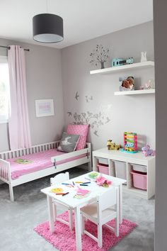 Cute Room Ideas For Young Girls Chambre fillette rose et grise The post Cute Room Ideas For Young Girls appeared first on Toddlers Diy. Baby Bedroom, Girls Bedroom, Bedroom Decor, Bedroom Curtains, Kids Bedroom Ideas For Girls Toddler, Ikea Girls Room, Girl Rooms, Trendy Bedroom, Girl Nursery