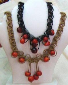 2 geflochtene #Halsketten mit #Huayruros #Samen
