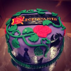 Disney Descendants birthday cake| Amazing fondant rose decorations.