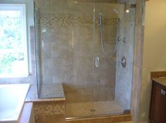 Smart Ideas to Give your Bathroom Shower a Makeover Shower Panels, Shower Doors, Shower Makeover, Bathroom Cabinets, Bathroom Vanities, Amazing Bathrooms, Home Decor Inspiration, Master Bathroom, Bathroom Ideas