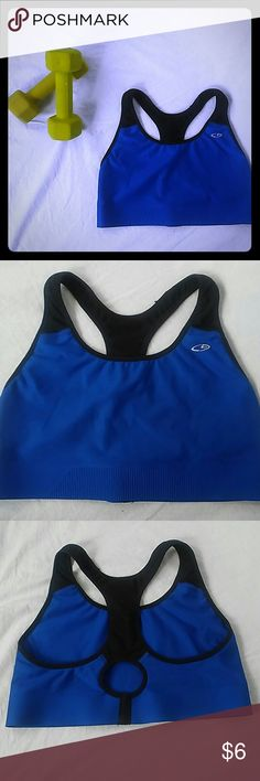 Champion Fusion Flex sports bra size large Champion sports bra is a size large has no padding and is super comfy. Champion Other