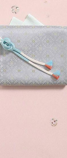 ベーシックに装う 大人の品格 ちりめん刺繍小紋 - 商品のご案内 | 東京ますいわ屋