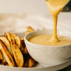 If you love chick-fil-a sauce, but are looking for a healthy alternative that you can make at home, you need this healthy copycat chick-fil-a sauce. This sweet tangy dip is perfect for chicken tenders, french fries and sandwiches. Lunch Meal Prep, Easy Meal Prep, Easy Meals, Chic Filet Sauce, Appetizers For Party, Appetizer Recipes, Grilled Lemon Pepper Chicken, Homemade French Fries, Turkey Sandwiches