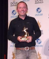 Exclusive Backstage & Red Carpet Photos from the 2013 Dove Awards - Christian Activities