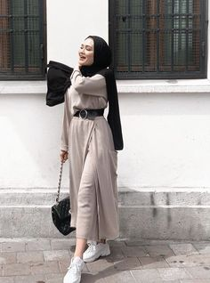 130 latest eid hijab styles with eid dresses – page 1 Modest Fashion Hijab, Modern Hijab Fashion, Street Hijab Fashion, Hijab Fashion Inspiration, Islamic Fashion, Muslim Fashion, Modest Outfits, Casual Outfits, Hijab Chic