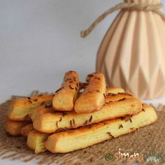 Saratele de casa fragede cu cascaval Foodies, Deserts, Good Food, Food And Drink, Dessert Recipes, Bread, Pizza, Crafts, Diy