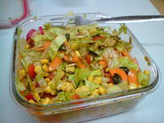 Wer nachts arbeitet, sollte nicht zu schwer essen. Rubens Pausensnack war deswegen dieser bunte Salat.  http://derlernendeveganer.blogspot.de/2012/09/vegan-wednesday.html