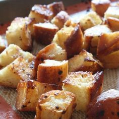 Homemade Garlic Butter Croutons from @Brandy Clabaugh {Nutmeg Nanny}