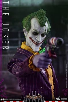 Hot Toys Shows Off New Batman Arkham Asylum Joker Figure - http://www.entertainmentbuddha.com/hot-toys-shows-off-new-batman-arkham-asylum-joker-figure/