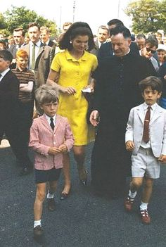 #Jackie_Photos   http://en.wikipedia.org/wiki/Jacqueline_Kennedy_Onassis   Love Them ....Beauty ...❤♥❤