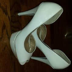 Fergie heel size 6.5 Fergie grey heel size 6.5. Wore less than 5 times Fergie Shoes Heels