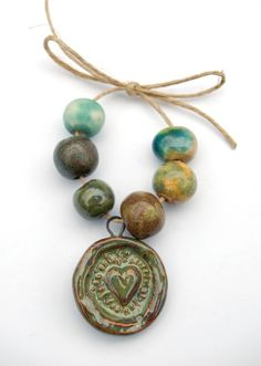 Etsy の Hearty / Ceramic Pendant and Bead Bundle by gaea