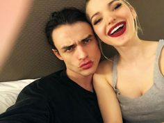 Dove & Thomas discovered by 𝐜𝓪𝓲𝓵𝓵𝓲𝓷 on We Heart It Cute Couple Pictures, Best Friend Pictures, Baby Pictures, Couple Pics, Thomas Doherty, Dove And Thomas, Les Descendants, Dove Cameron Style, Cute Actors