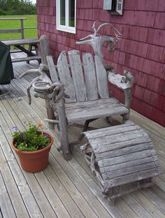 beautiful driftwood long chair ... omg the best chair ever