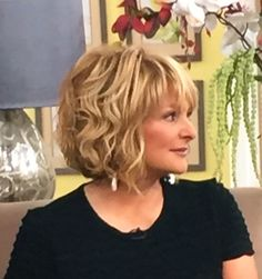 I love this cute style on Christina Ferrare from the Home and Family show! Medium Hair Cuts, Short Hair Cuts, Medium Hair Styles, Curly Hair Styles, Cut My Hair, New Hair, Mother Of The Bride Hair, Short Hair With Layers, Great Hair