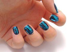 Kiko laser nail lacquer 435 Venom Teal - foil manicure - foil nails