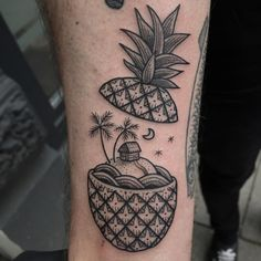 Blackwork Pineapple home by Susanne König, Hamburg, Germany