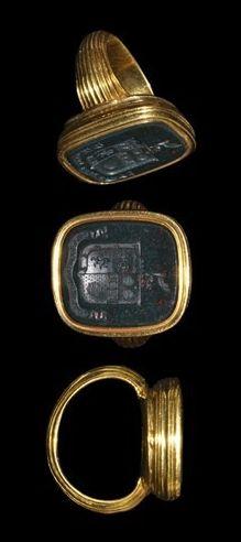 16th-17th century AD. An English heraldic signet ring.