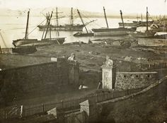The aftermath of the storm of 17 May 1865 with ships ashore near the Castle. Photograph : Library of Parliament Old Pictures, Old Photos, Cities In Africa, South African Air Force, Baden Powell, Knysna, Out Of Africa, Most Beautiful Cities, Antique Maps