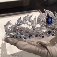 Sapphire and Diamond Tiara by Chaumet Official ~ Katerina Perez Royal Jewelry, Cute Jewelry, Jewelry Accessories, Headpiece Jewelry, Hair Jewelry, Headpiece Wedding, Bridal Tiara, Hair Wedding, Wedding Accessories For Bride