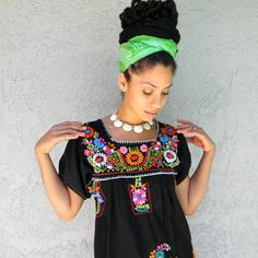 Stunning Senorita - Vintage 70s/80s Rainbow Embroidered MEXICAN HIPPIE DRESS - Black Cotton w Peacock/Flower Power Embroidery - Small/S