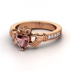 claddagh ring meaning | Rose Gold Claddagh Ring Meaning Behind Its Design