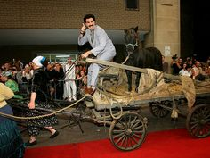 SACHA BARON COHEN DRESSES AS BORAT FOR FILM PREMIERE