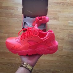 There are 3 tips to buy shoes, huarache, huarache, nike shoes, huarache. Nike Air Huarache Ultra, Nike Huarache, Running Shoes Nike, Nike Shoes, Buy Shoes, Shoes Heels, Bow Sneakers, Shoe Shop, Huaraches