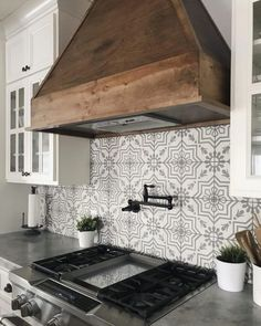 33 Amazing Farmhouse Kitchen Art Ideas To Scale Up Your Kitchen. If you are looking for Farmhouse Kitchen Art Ideas To Scale Up Your Kitchen, You come to the right place. Kitchen Redo, Kitchen Art, New Kitchen, Awesome Kitchen, Country Kitchen Backsplash, Beautiful Kitchen, Kitchen Backplash, Farm House Kitchen Ideas, Kitchen Themes