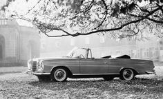 1962 Mercedes-Benz 300 SE Cabriolet (W 112/3 series) ════════════════════════════ http://www.alittlemarket.com/boutique/gaby_feerie-132444.html ☞ Gαвy-Féerιe ѕυr ALιттleMαrĸeт   https://www.etsy.com/shop/frenchjewelryvintage?ref=l2-shopheader-name ☞ FrenchJewelryVintage on Etsy http://gabyfeeriefr.tumblr.com/archive ☞ Bijoux / Jewelry sur Tumblr