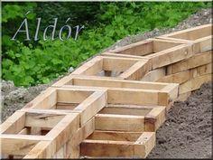 támfal Backyard Ideas, Garden Ideas, Pergola, Wood, Diy Ideas, Crafts, Budget, Willow Fence, Wrought Iron