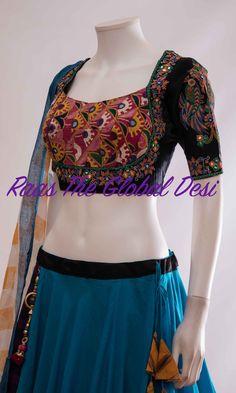 Choli Blouse Design, Cotton Saree Blouse Designs, Choli Designs, Blouse Patterns, Sari Blouse, Long Blouse, Simple Blouse Designs, Stylish Blouse Design, Stylish Dress Designs