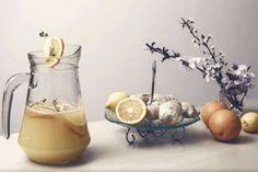 Fogyassz ebből 3 kanállal naponta! - Centikben mérheted a zsír olvadását a hasadról!   Fogyókúra   Női Portál Sugar Bowl, Bowl Set, Health, Food, Smoothie, Drink, Smoothies, Salud, Shake