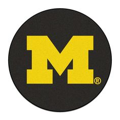 Michigan Wolverines NCAA Puck Mat (29 diameter)